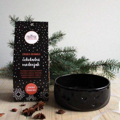 cokoladni medenjak crna skodelica frustek